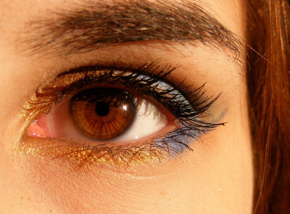 what causes chicken skin under eyes