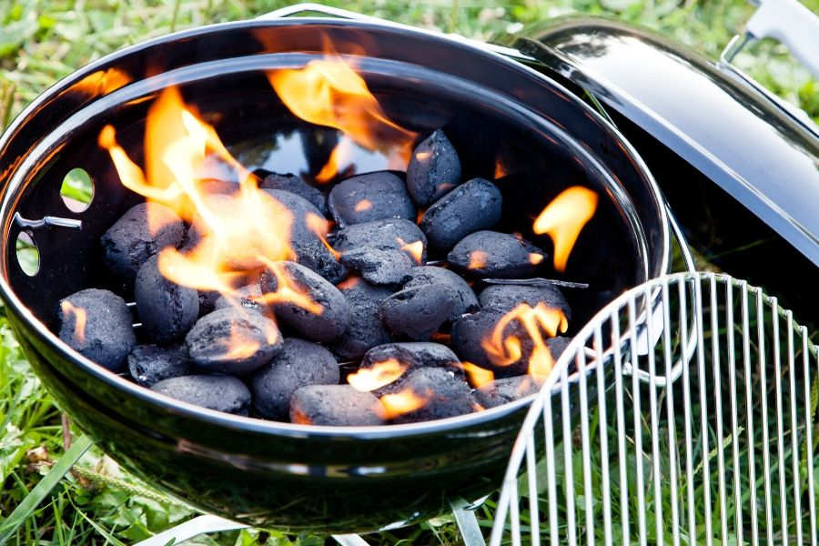 How to Keep Charcoal Grill​ Hot